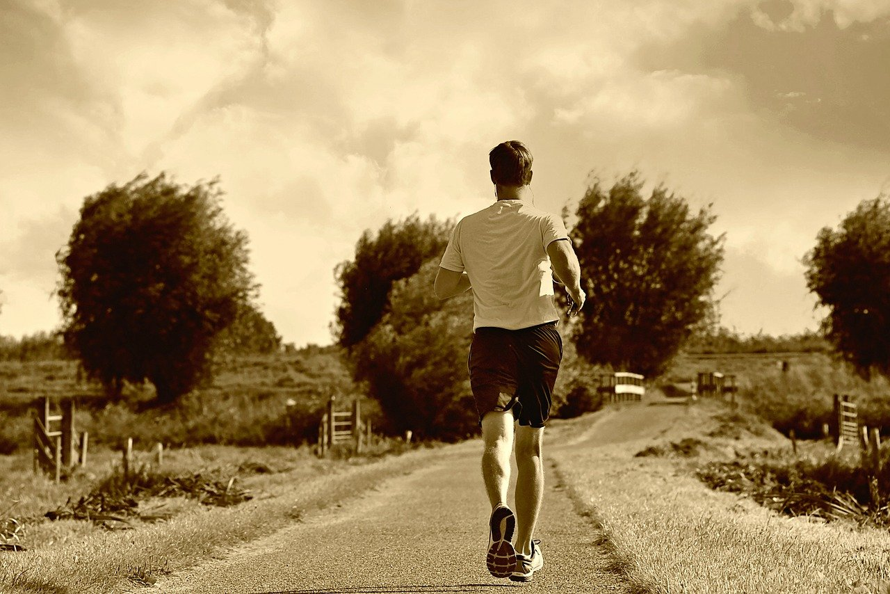 man, runner, training - hocking facts about runners over 50