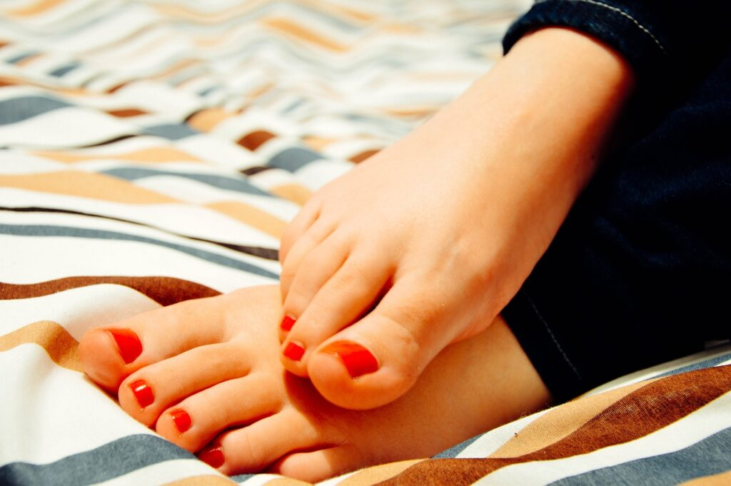 feet, toes, woman - toenail fungus over the counter treatments