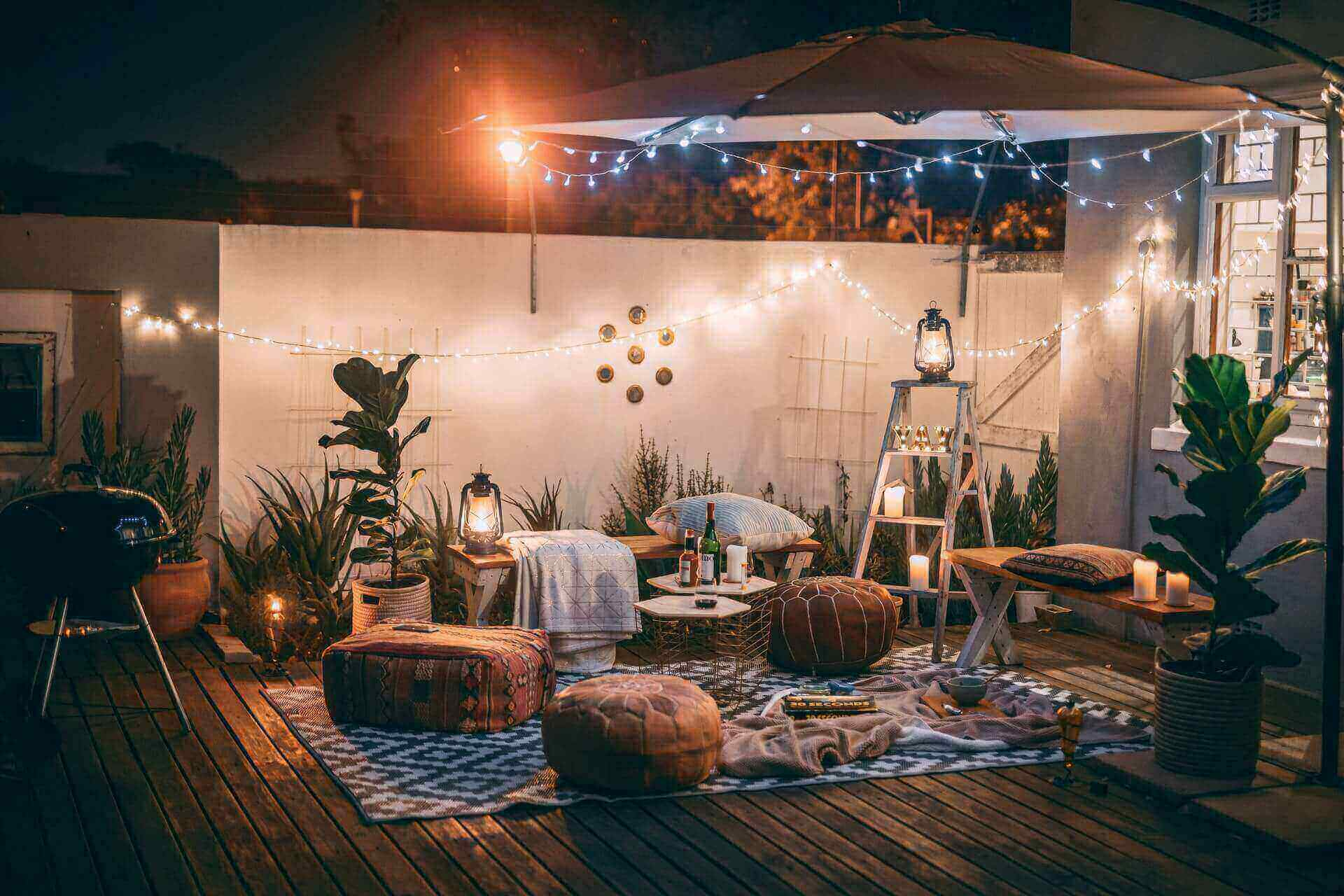 Backyrard patio - Outdoor Rugs That Drain Fast